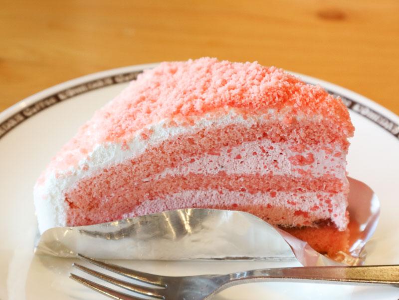 コメダのケーキ「あまおーる」